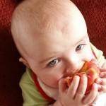 Nejen pro mámy na mateřské – jak naučit dítě správně jíst?
