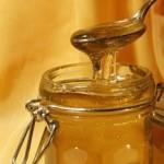 Med a jeho vliv na naši krásu – kde ho můžeme použít?